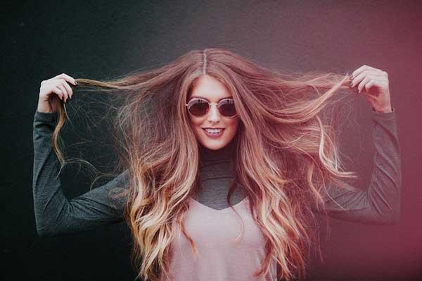 Langes Haar als auch Haar Extensions brauchen besondere Pflege
